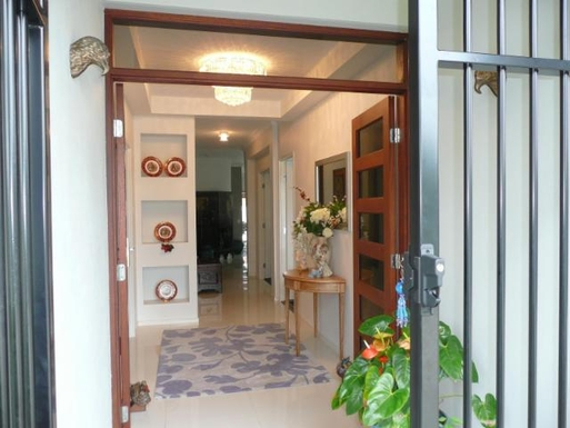 Home exchange in,Australia,BANKSIA BEACH,The entry doorway