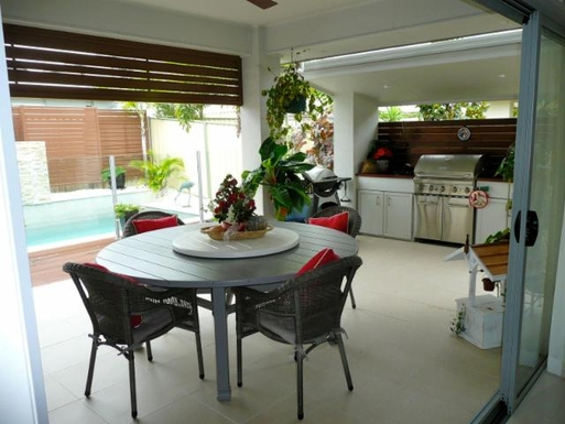 Home exchange in,Australia,BANKSIA BEACH,Al fresco area, BBQ and pool