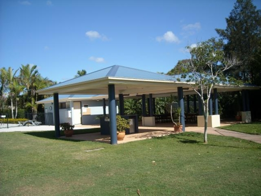 Home exchange in,Australia,BATTERY HILL,Lagoon pool BBQ area