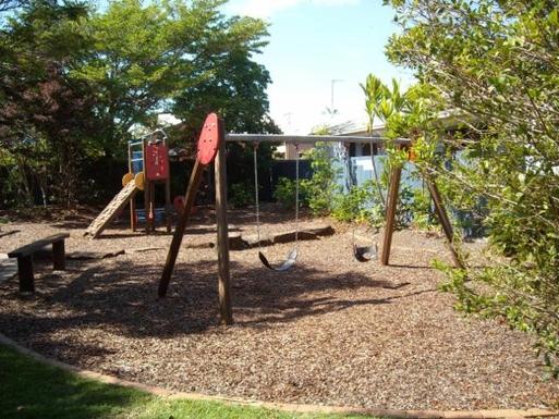 Home exchange in,Australia,BATTERY HILL,Children's playground