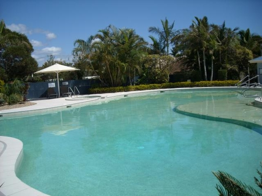 Home exchange in,Australia,BATTERY HILL,Lagoon pool