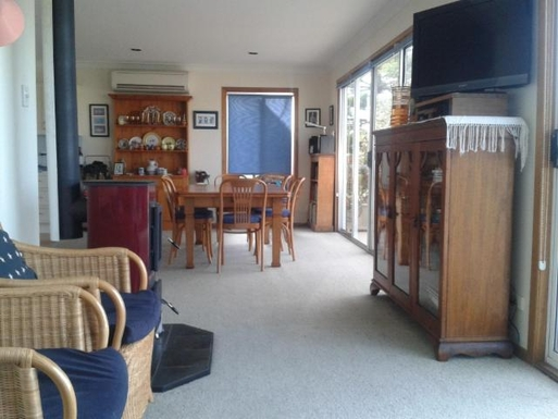 Home exchange in,Australia,ULLADULLA,Lounge-dining area