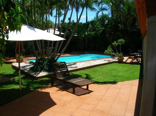 Home exchange in,Australia,PEREGIAN BEACH,A glass pool fence has since been installed.