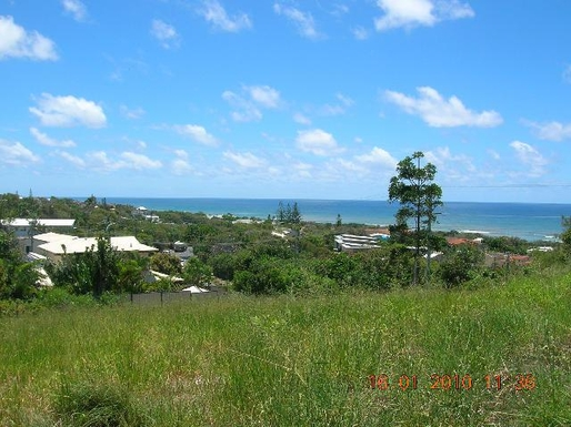Home exchange in,Australia,PEREGIAN BEACH,looking toward coastline from elevated position at