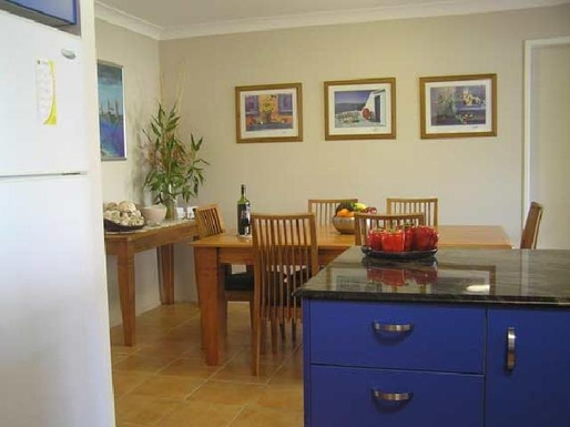 Home exchange in,Australia,MOOLOOLABA,Open plan Kitchen-Dining room