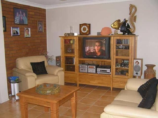 Home exchange in,Australia,MOOLOOLABA,Entertainment unit has since been updated with fla