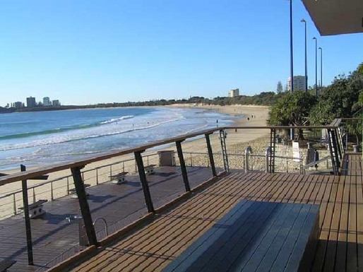 "Home exchange in,Australia,MOOLOOLABA,5 minutes walk to ""The Loo With A View"" at Moolool"
