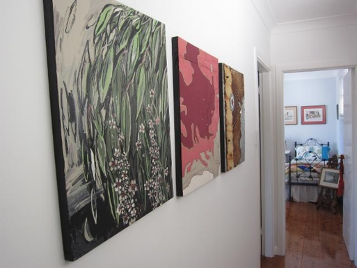 Home exchange in,Australia,GYMEA BAY,Upstairs hallway to bedrooms