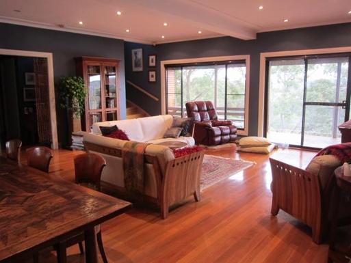 Home exchange in,Australia,GYMEA BAY,Loungeroom
