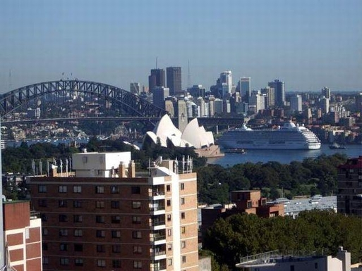 Home exchange in,Australia,RUSHCUTTERS BAY,View of Harbour Bridge & Sydney Opera House from o