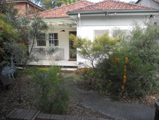 Home exchange in,Australia,RANDWICK,Front garden