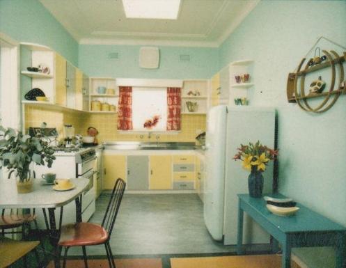 Home exchange in,Australia,RANDWICK,1950s kitchen (has new stove, dishwasher)