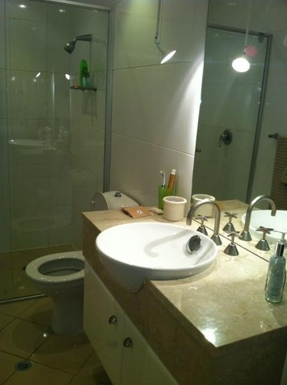 Home exchange in,Australia,GLENELG NORTH,Upstairs bathroom has double basins and a spa bath