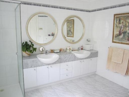 Home exchange in,Australia,Melbourne, 15k, S,Main bedroom en-suite