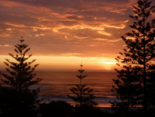 Home exchange in,Australia,NORTH BURLEIGH,Sunrise from our balcony.