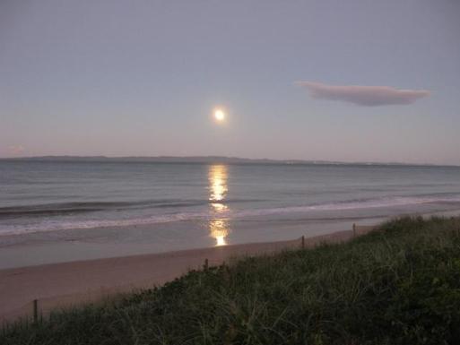Home exchange in,Australia,WOORIM,Sunrise over Bribie Island