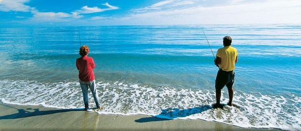 Home exchange in,Australia,URANGAN,Fishing on Shelley Beach, 400 metres from the hous