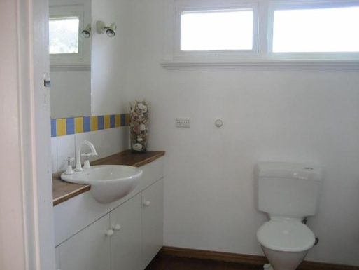 Home exchange in,Australia,ORFORD,main bathroom