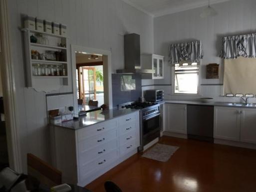 Home exchange in,Australia,WINDSOR,5 burner stove (griddle plate for BBQs)