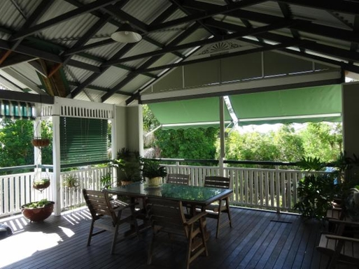 Home exchange in,Australia,WINDSOR,Deck table (seating 6), private outlook to garden