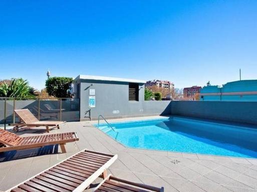 Home exchange in,Australia,POTTS POINT,Swimming pool on Level 2