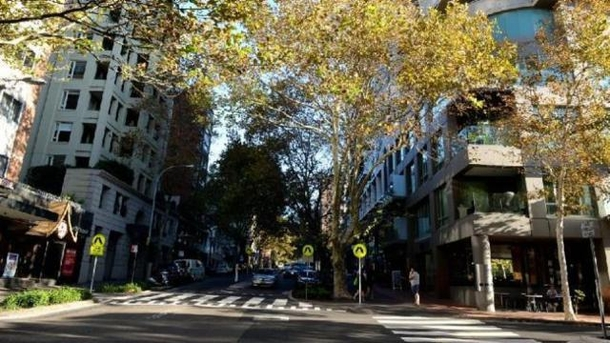 Home exchange in,Australia,POTTS POINT,Macleay Street with its numerous restaurants, cafe