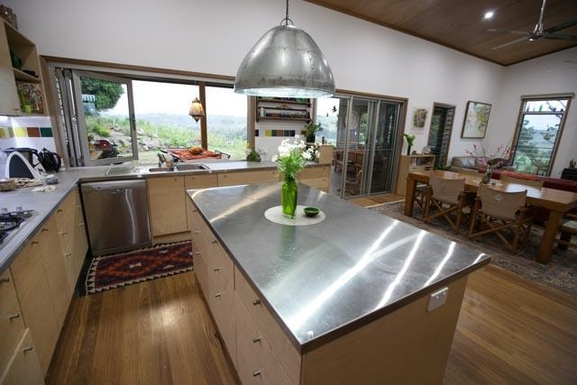 Home exchange in,Australia,BEXHILL,Modern island kitchen bench
