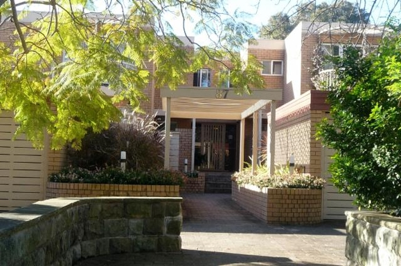 Home exchange in,Australia,LANE COVE,Block of 12 from the street.