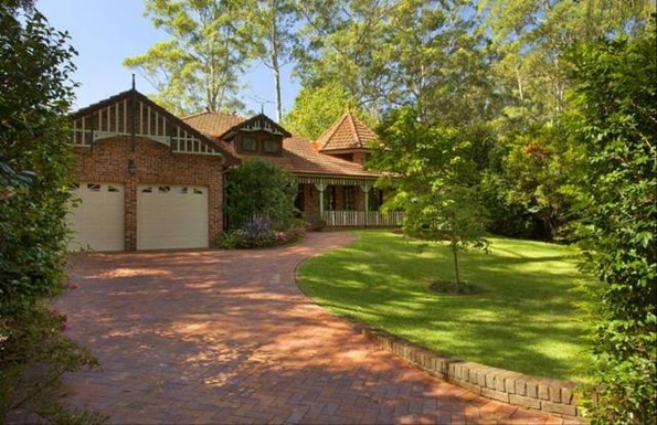 Home exchange in,Australia,PYMBLE,Front of home set back from street