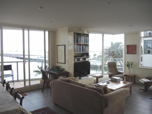 Home exchange in,Australia,PORT MELBOURNE,Living Room
