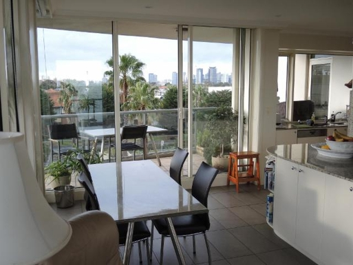 Home exchange in,Australia,PORT MELBOURNE,Informal Dining