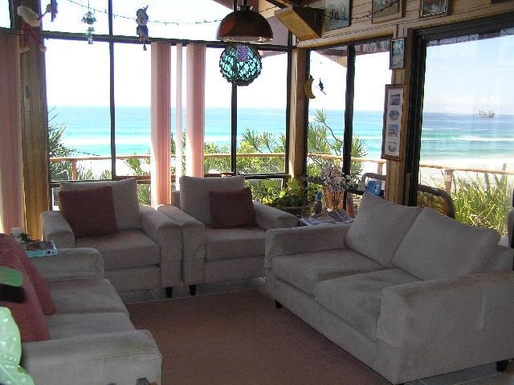 Home exchange in,Australia,TUGUN,Upstairs lounge room