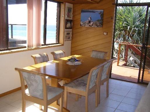 Home exchange in,Australia,TUGUN,Dining room