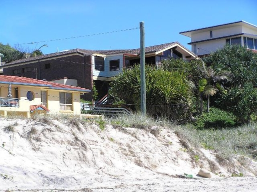 Home exchange in,Australia,TUGUN,View of the house from the beach