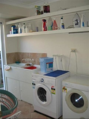 Home exchange in,Australia,BRIDGEMAN DOWNS,Laundry has auto washing machine and clothes dryer