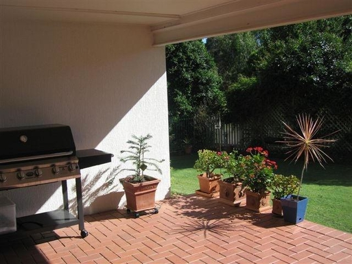 Home exchange in,Australia,BRIDGEMAN DOWNS,The patio is a sun trap during winter months - per