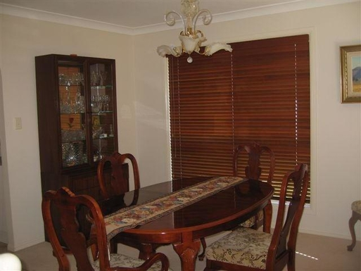 Home exchange in,Australia,BRIDGEMAN DOWNS,Dining room - extension table seats 8