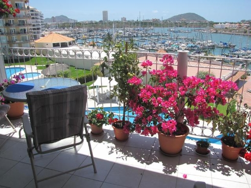 BoligBytte til,Mexico,Mazatlan,Pleasant meals on the sundeck above the marina
