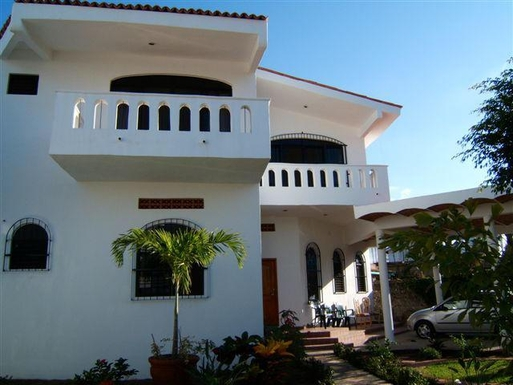 Home exchange in Mexico,Puerto Vallarta, 1hr, N, Jalisco,Mexico - Puerto Vallarta, 1hr, N - House (2 f,Home Exchange & House Swap Listing Image