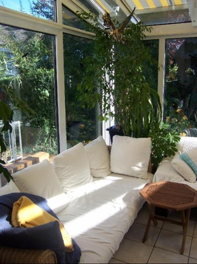 Enjoy our wintergarden - cozy sofas