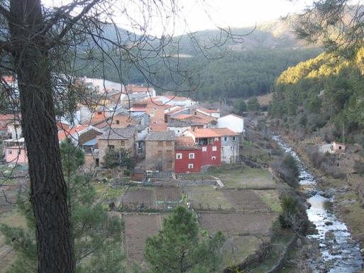 BoligBytte til,Spain,Castillo (Pinofranqueado),CASTILLO: View of the little village and the river