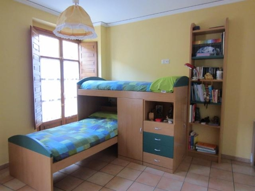 BoligBytte til,Spain,Segovia centro a 90 km de Madrid,dormitorio Jaime y Guille