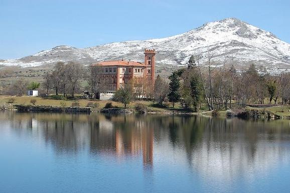 BoligBytte til,Spain,Segovia centro a 90 km de Madrid,baño en el embalse del Pontón