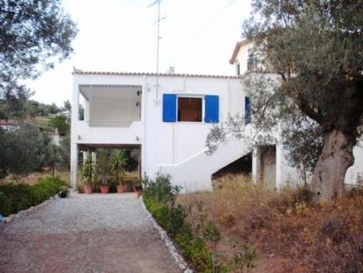 BoligBytte til,Greece,Thyni,entré de la maison, parking et jardin