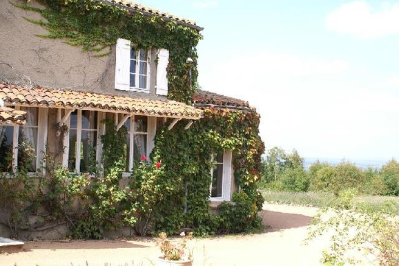 Koduvahetuse riik Prantsusmaa,Lyon, 90k, NW, Auvergne-Rhône-Alpes,Countryside family house with private pool,Home Exchange Listing Image