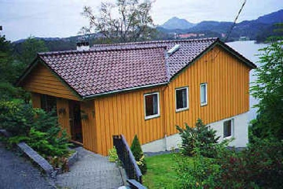 Home exchange in Norway,Bergen, 10k, S, Hordaland,Attractive family home overlooking lake.,Home Exchange & Home Swap Listing Image