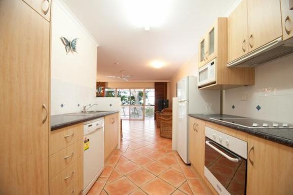 Home exchange in,Australia,Cairns, 25k, N,Kitchen/living room