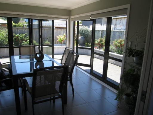BoligBytte til,New Zealand,Wanganui Central,Conservatory witness patio area