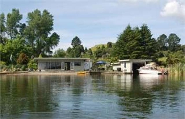 Home exchange in New Zealand,Rotorua, 13k, N, Bay Of Plenty,N.Z. - near Rotorua, Lake Rotoiti frontage,Home Exchange & Home Swap Listing Image