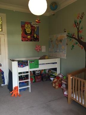 BoligBytte til,United Kingdom,Edinburgh,Kid's room with dress-up, lego etc. (1.90m bed)